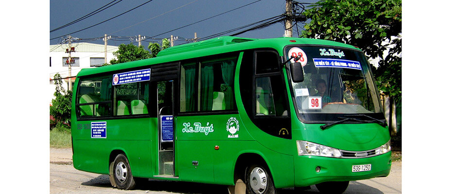 How to get from Ho Chi Minh to Nha Trang. Price of train, bus, taxi