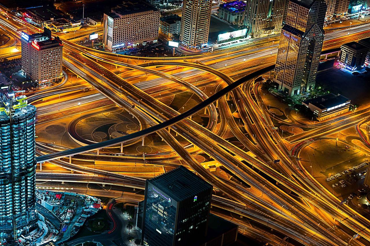 How to get around Dubai
